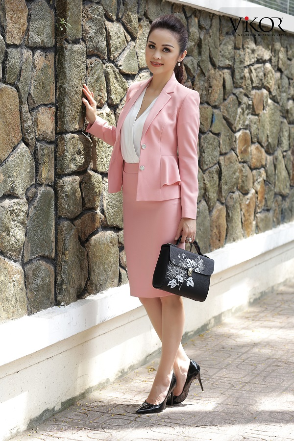 Chân váy nữ VW40123 màu hồng nhẹ, phong cách trang trọng