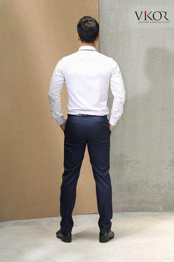 Đồng phục áo sơ mi trắng rộng rãi mặc thoải mái