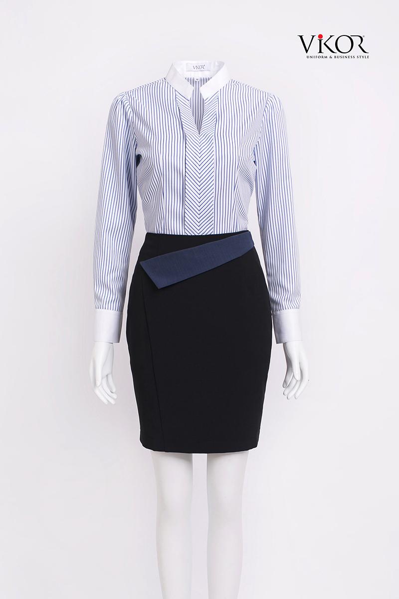 Chân váy bút chì đen nhấn vạt màu xanh tím than nổi bật, form dáng đẹp, tôn dáng người mặc và phù hợp với nhiều dáng người