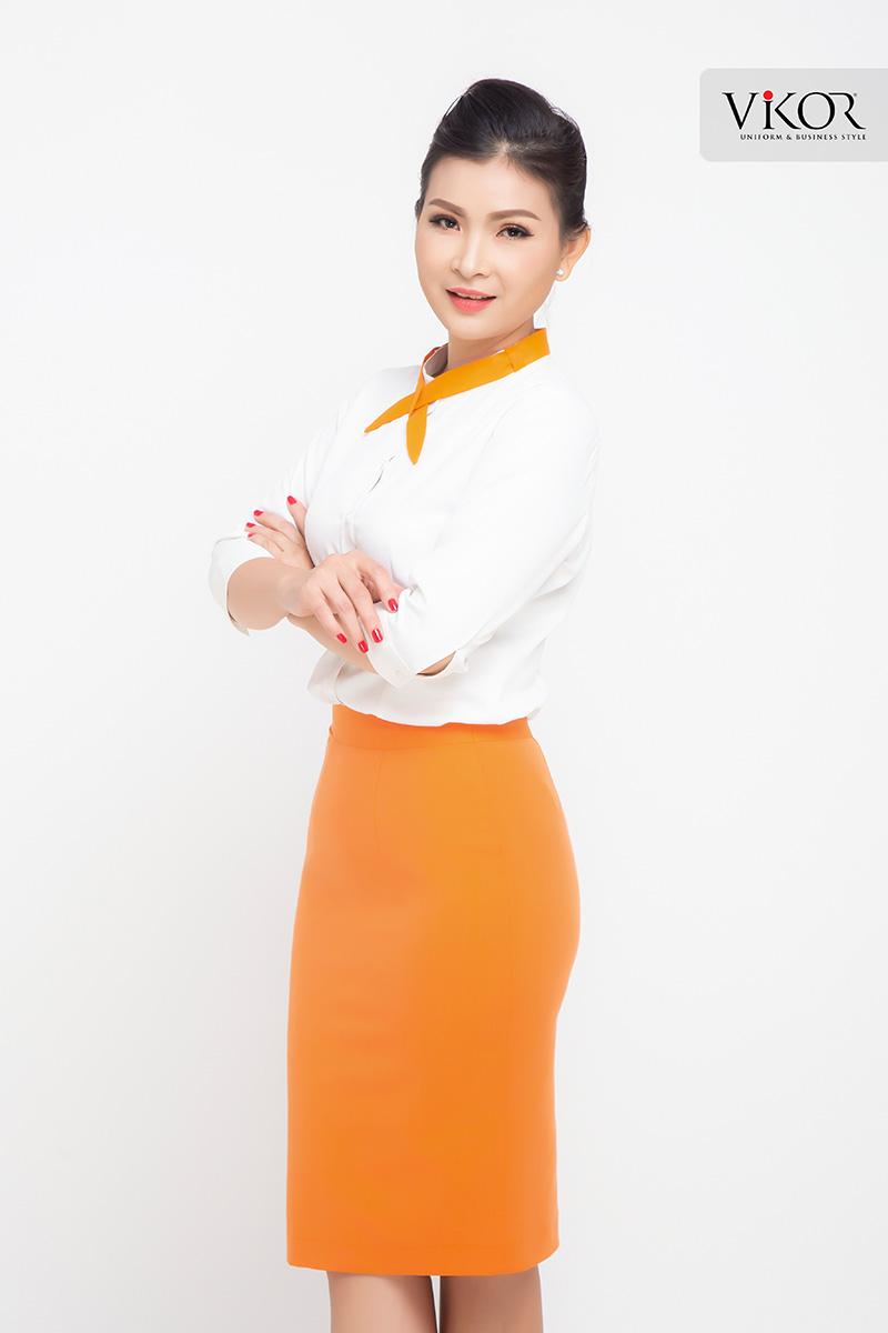 Chân váy đồng phục công sở màu cam nổi bật
