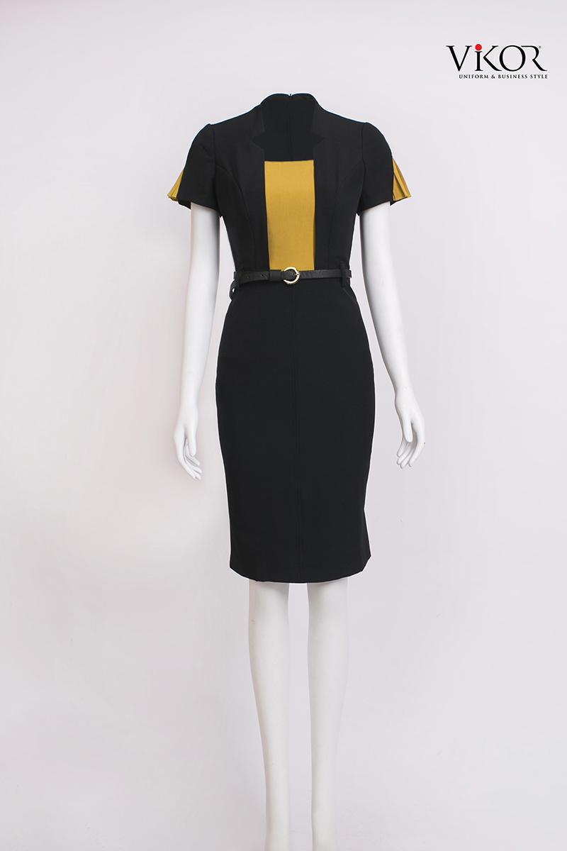 Đầm đen phối vàng cổ xẻ V 2 bên trang nhã, tươi sáng và ôm dáng