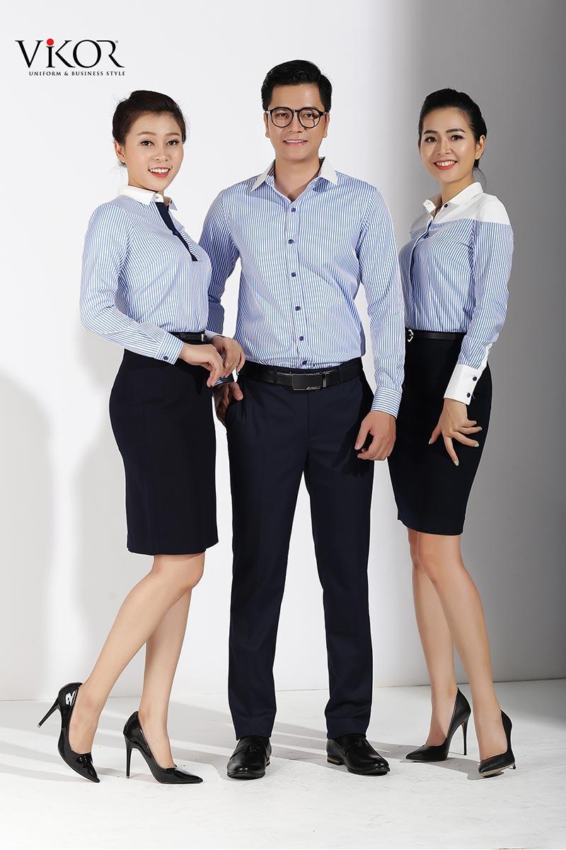 Mẫu áo sơ mi đồng phục công sở phối xanh trắng