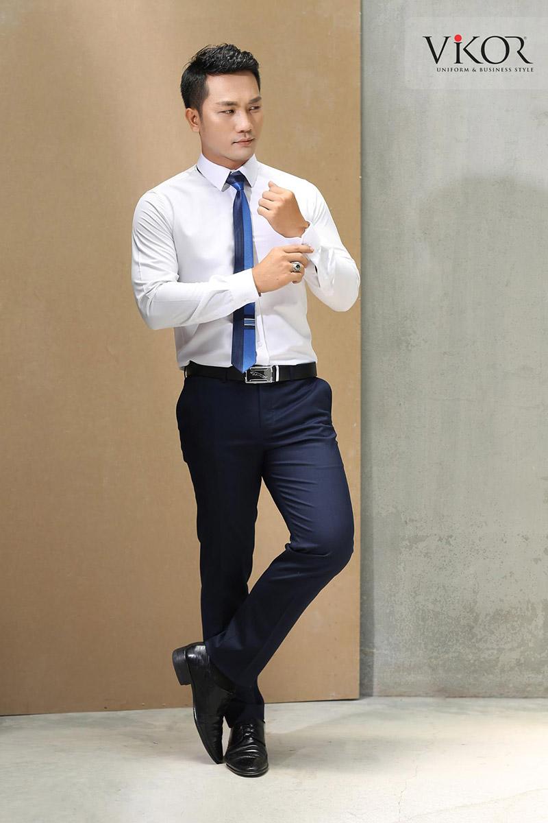 Chất liệu kate cao cấp đảm bảo thấm hút mồ hôi tốt, đem đến cảm giác thoải mái cho nam giới khi làm việc 8h/ngày tại văn phòng