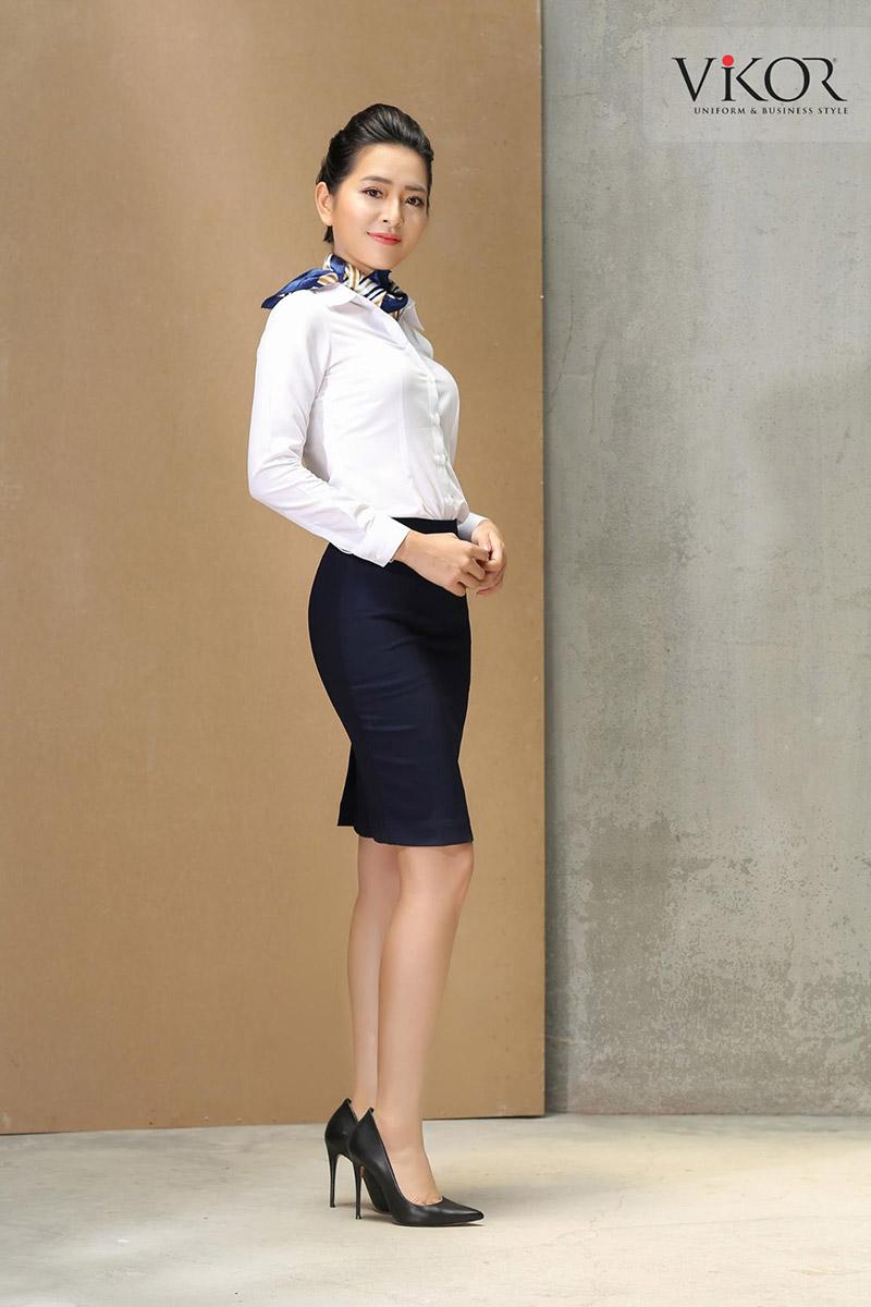 Đồng phục sơ mi trắng được thiết kế đơn giản tinh tế