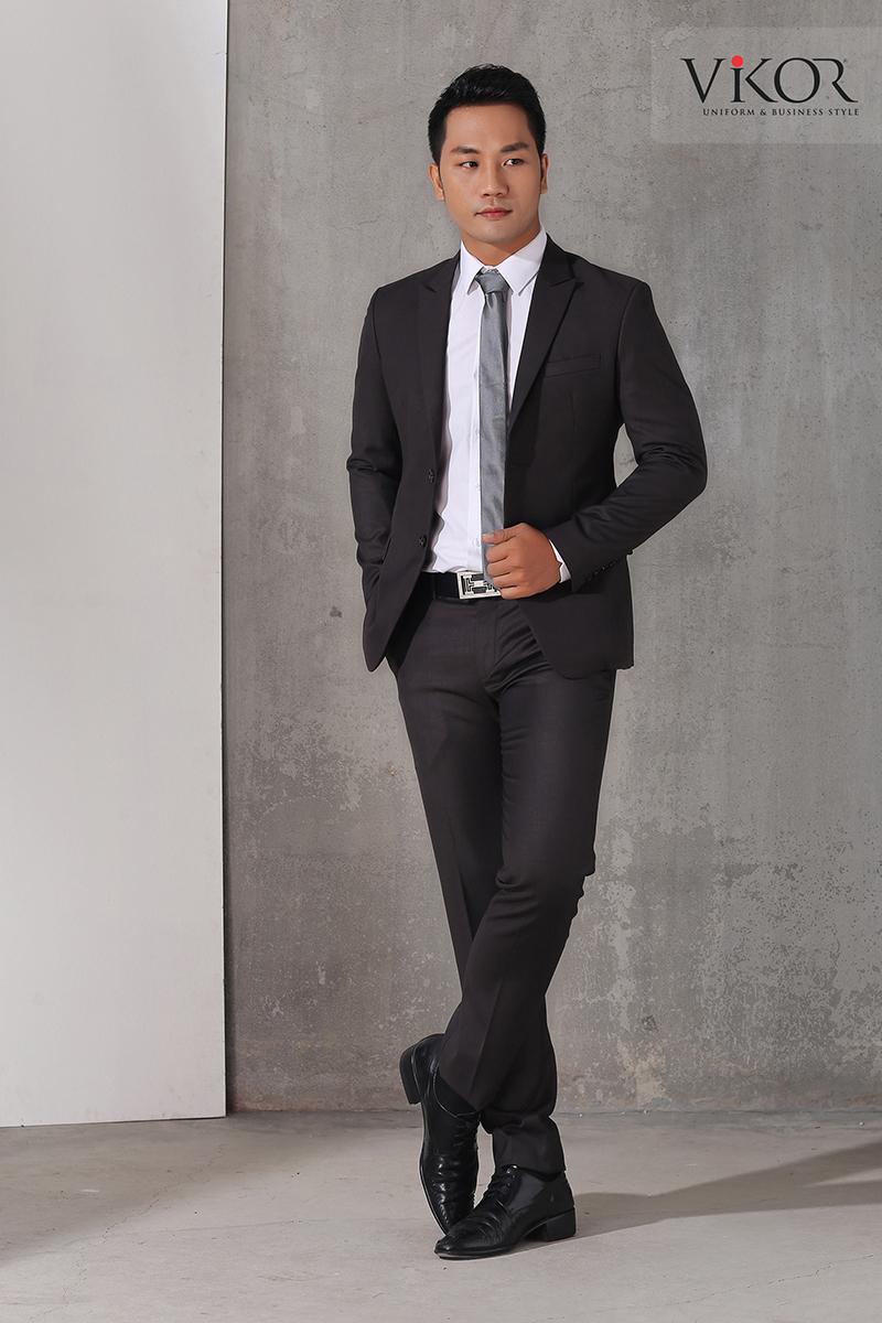 Bộ vest đồng phục nam màu đen phối với sơ mi trắng