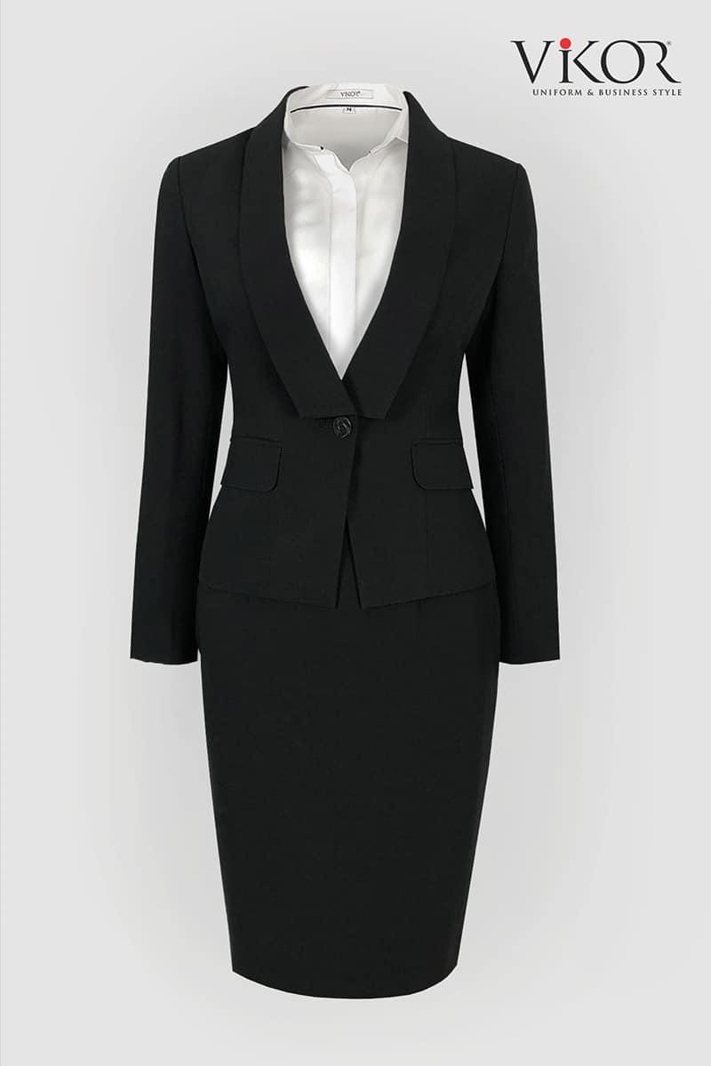 Áo vest đen thiết kế đơn giản nhưng vô cùng tinh tế với form dáng chuẩn ôm gọn vòng eo