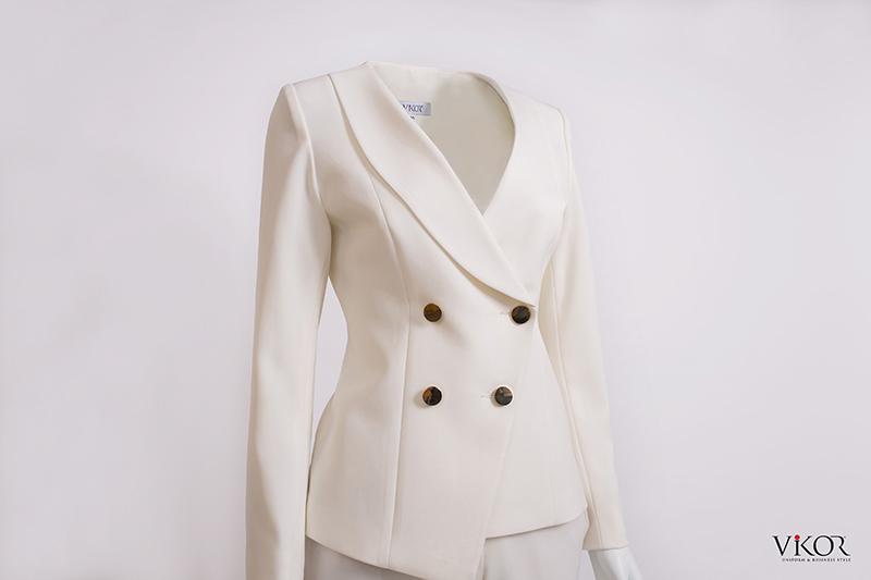 Vest nữ màu trắng vạt chéo 4 khuy