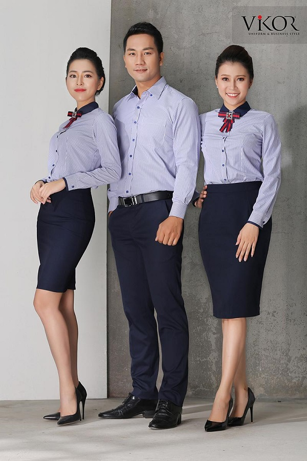 Đồng phục sọc xanh có nơ ấn tượng
