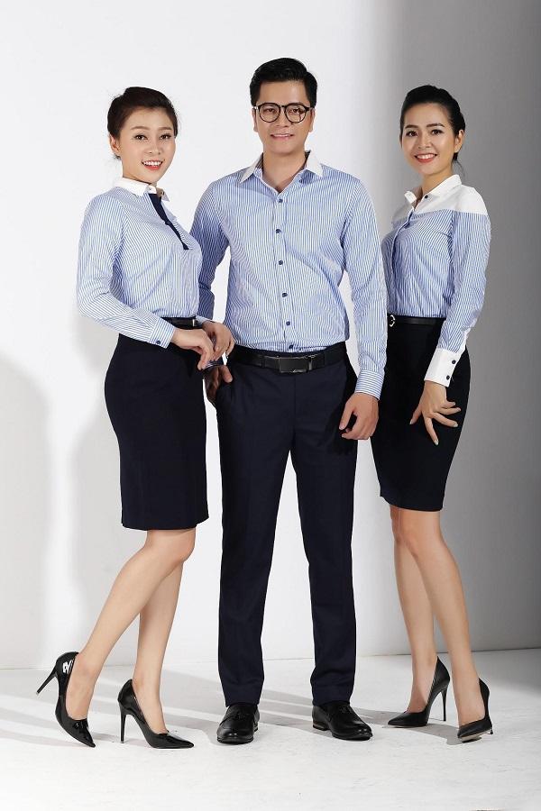 Đồng phục công sở cho nam và nữ kẻ sọc xanh