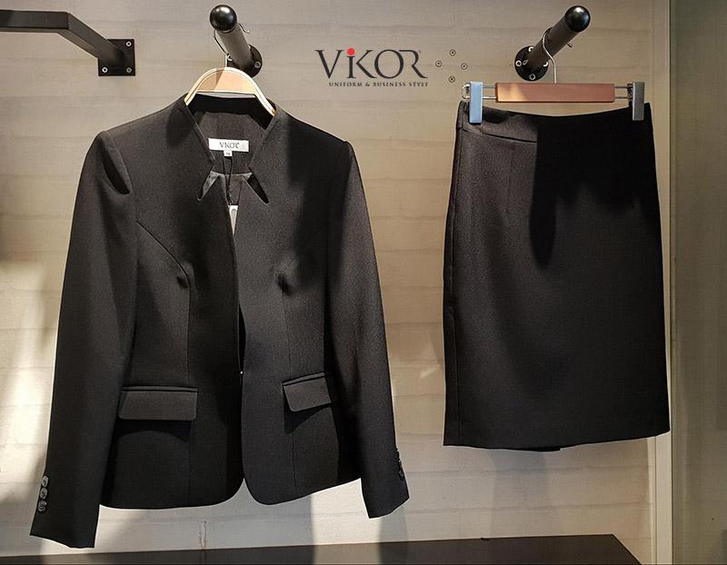 Đồng phục công sở nữ may sẵn tại Showroom VIKOR