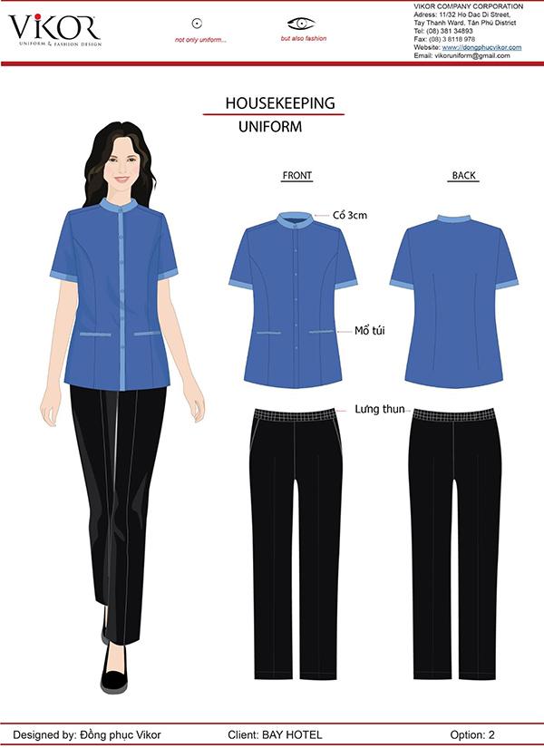 Đồng phục áo xanh, quần vải đen của nhân viên buồng phòng