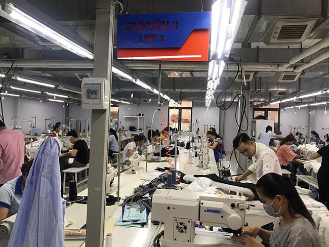Nhà xưởng may đồng phục số lượng lớn tại VIKOR
