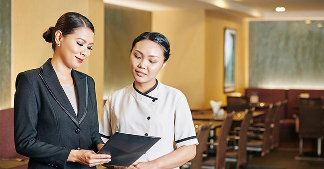 Mẫu đồng phục của cấp quản lý nhà hàng Âu