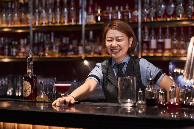 Đồng phục của nhân viên quầy bar nhà hàng Âu