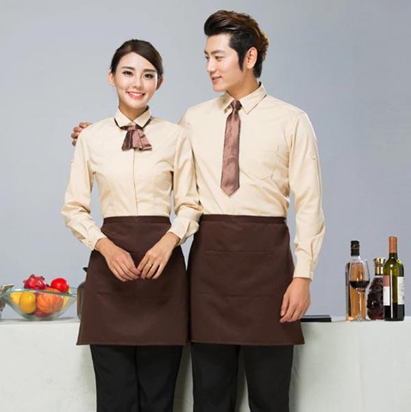 Đồng phục nhà hàng khách sạn màu sắc hài hòa