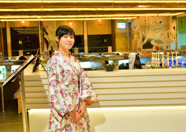 Đồng phục nhân viên lễ tân nhà hàng Nhật