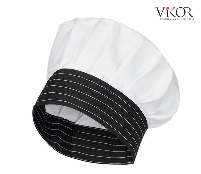 Đồng phục bếp thường nó nón để giúp tóc không rụng vào đồ ăn khi đang làm việc